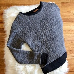 Hive and Honey size S grey sweater, flower details